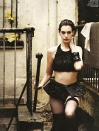 anne-hathaway-lingerie