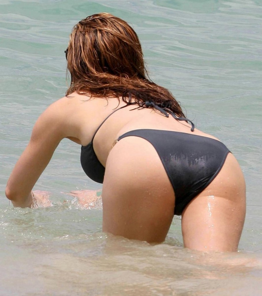 kelly brook niceass 908x1024 Click Here And Download All Celebrity Sex Tapes