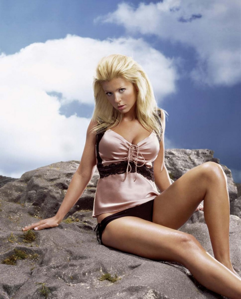 tara reid lingerie 826x1024 Click Here And Download All Celebrity Sex Tapes