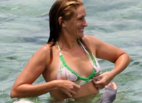 It's been a while since I've had seen any pictures of Julia Roberts , a long ...