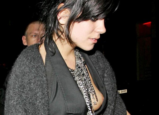 Lily Allen nipple slip