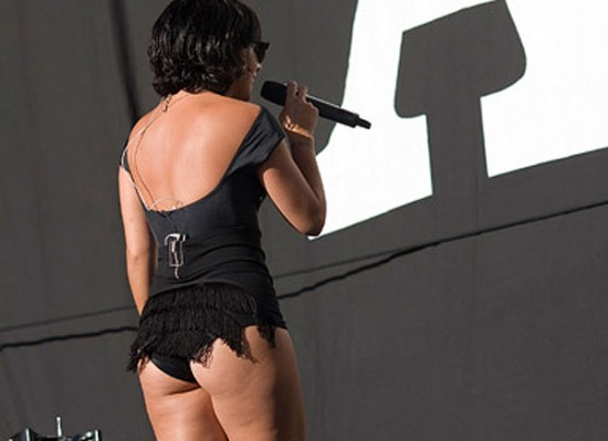 Lily Allen booty