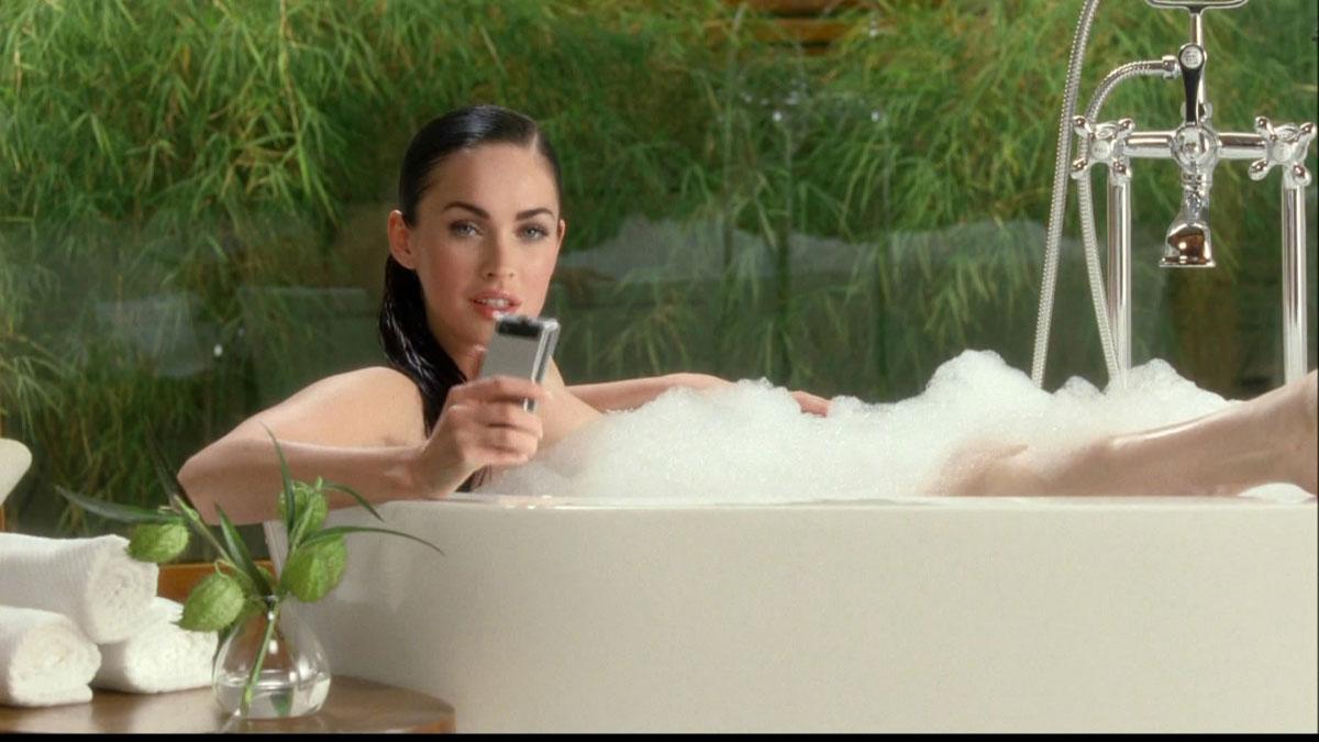 С телефоном в ванной 2 фотография