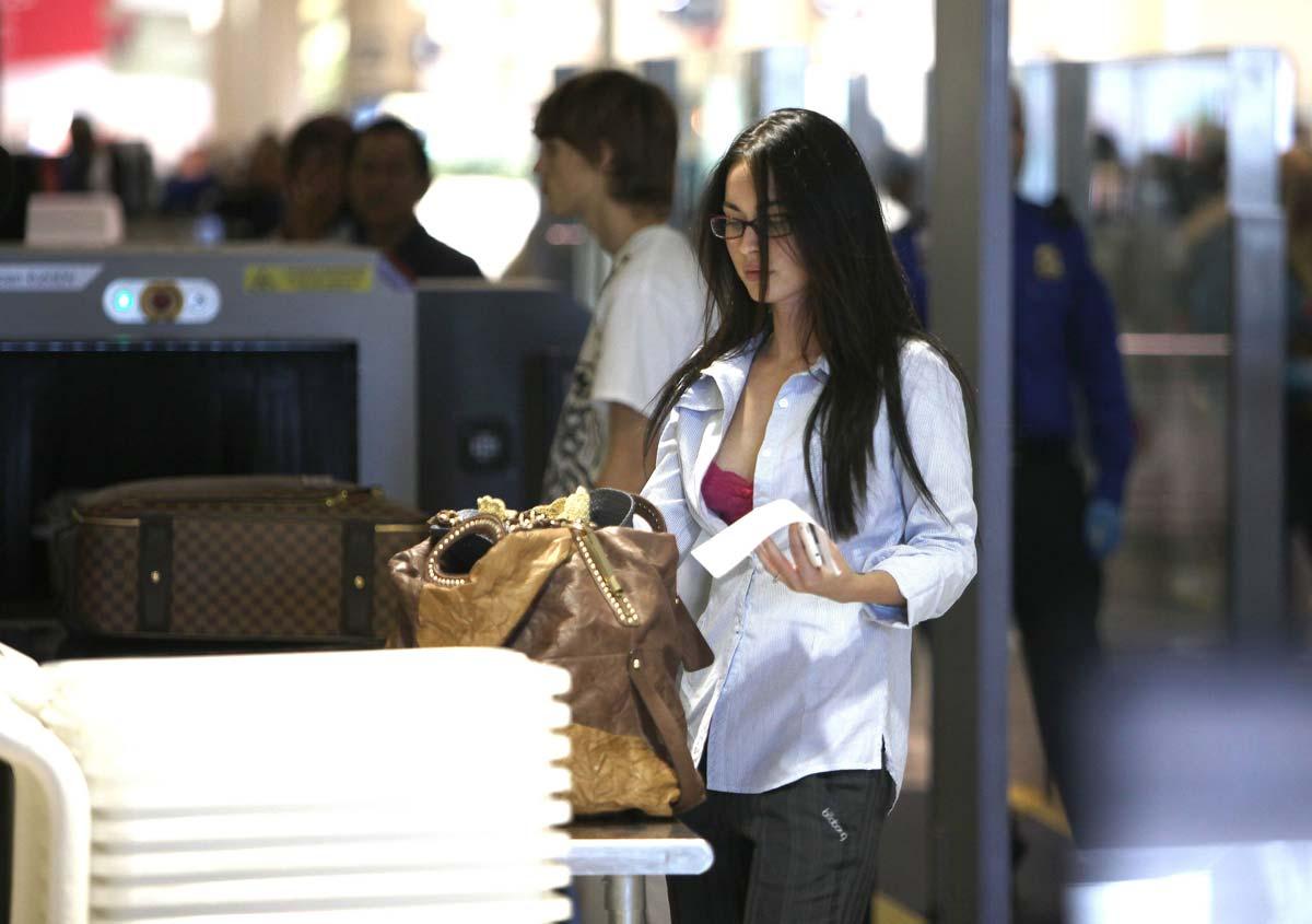 Секс в аеропорте фото 6 фотография
