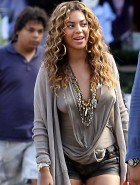 Beyonce Knowles braless