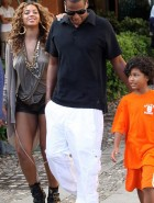 Beyonce Knowles short shorts