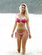 Heidi Montag pink bikini