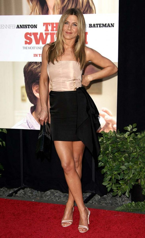 Jennifer Aniston Premiere Addictedtocelebs