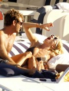 Sienna Miller hot in bikini