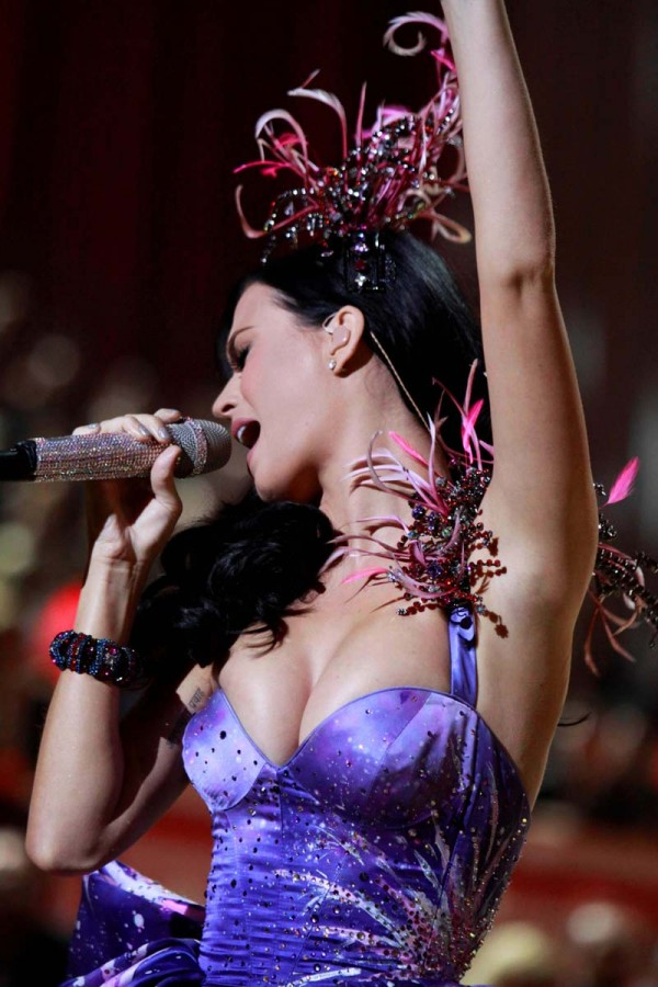 Katy Perry boobs victoria secret fashion show