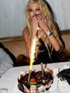 Tara Reid birthday nipslip