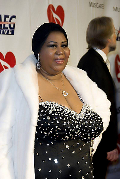 aretha franklin died - 400×598