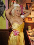 Holly Madison hot