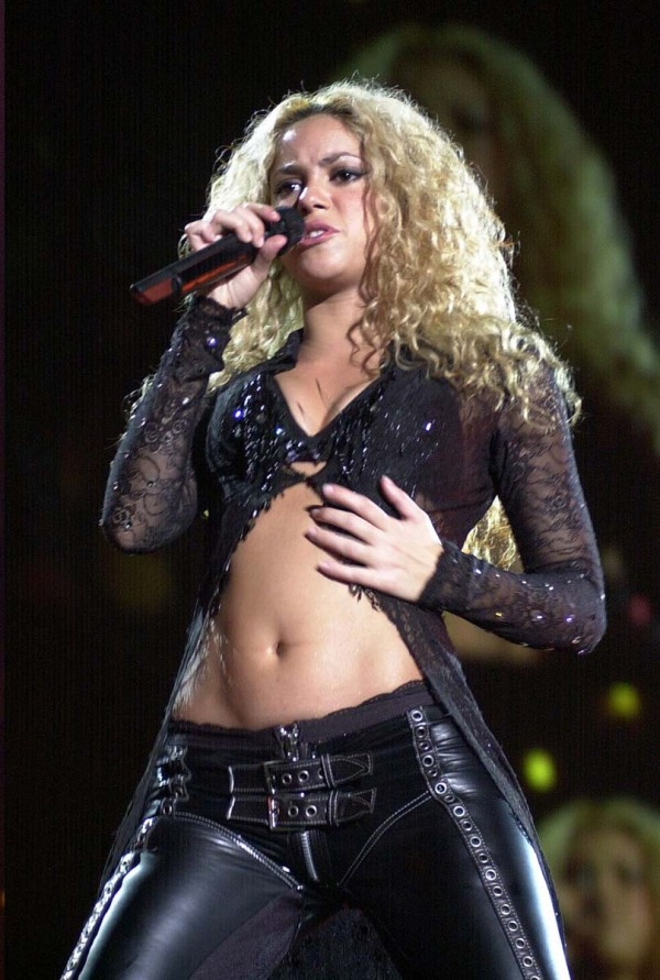 Shakira hot