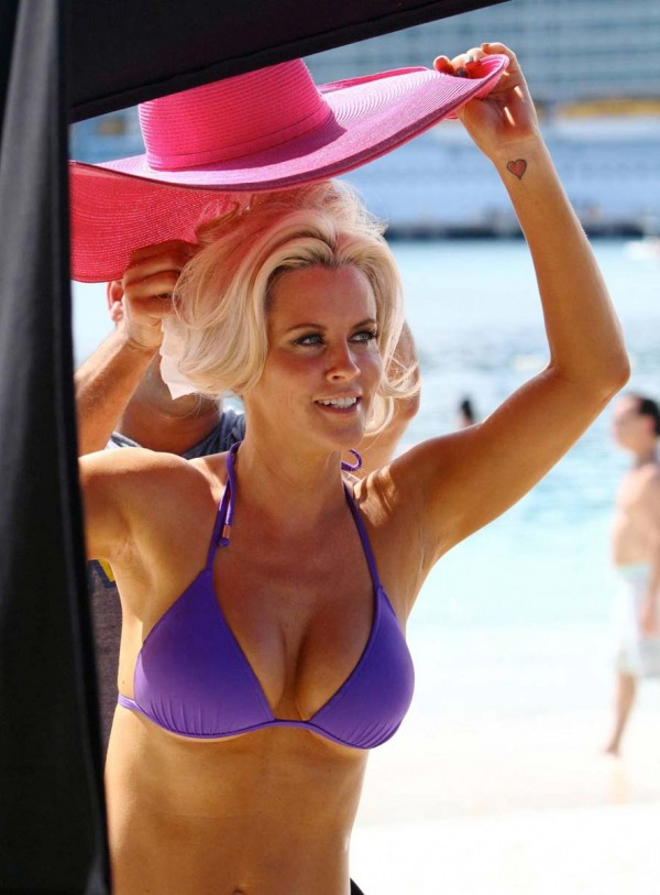 jenny mccarthy boobs 600x813 car body style and car insurance Car Insurance Rates by Body Style? Really?