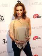 Alyssa Milano pregnant boobs