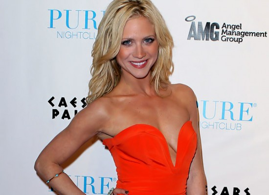 brittany snow hot cleavage 12 550x400 Brittany Snow bio picture. Rating: No Nudity; Place of birth: Tampa, ...