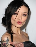 Tila Tequila hot