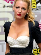 Blake Lively hot cleavage