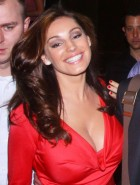 pregnant Kelly Brook cleavage