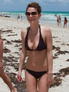 Maria Menounos hot bikini