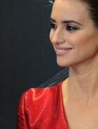 Penelope Cruz nipples in tight dress