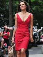 Elizabeth Hurley cleavage gossip girl