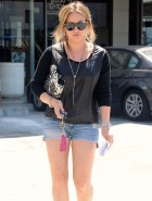 Hilary Duff  leggy in shorts