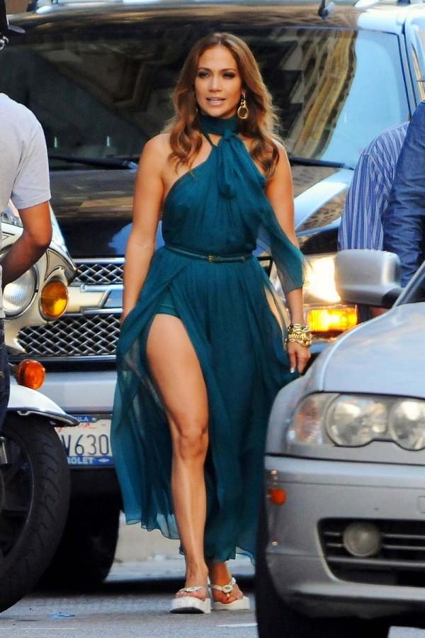 Jennifer Lopez wardrobe malfunction