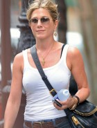 Jennifer Aniston pokey nipples
