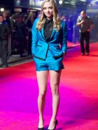 Amanda Seyfried hot legs