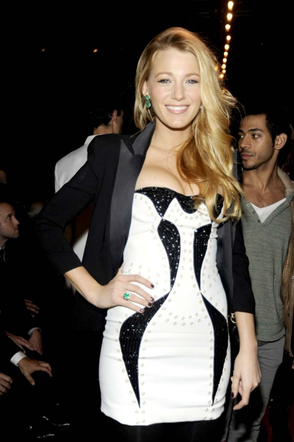 Blake Lively pushed up cleavage