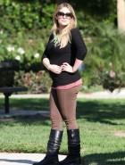 Hilary Duff pregnant profile