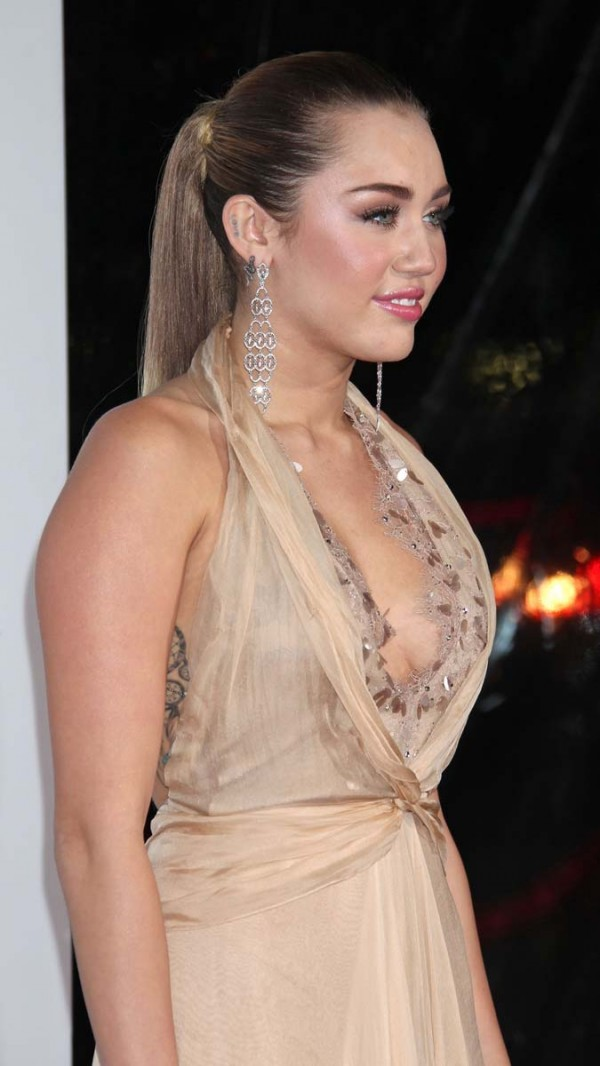 Miley Cyrus sideboob cleavage