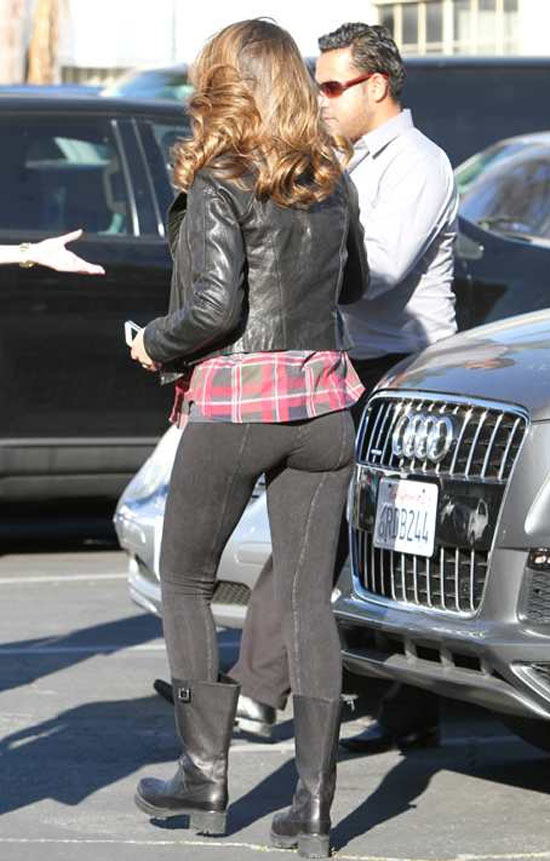 Jessica Alba ass leggings