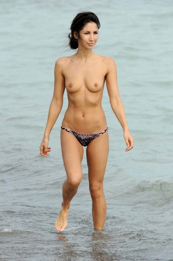 Leilani dowding topless beach