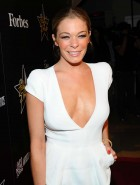 LeAnn Rimes braless cleavage