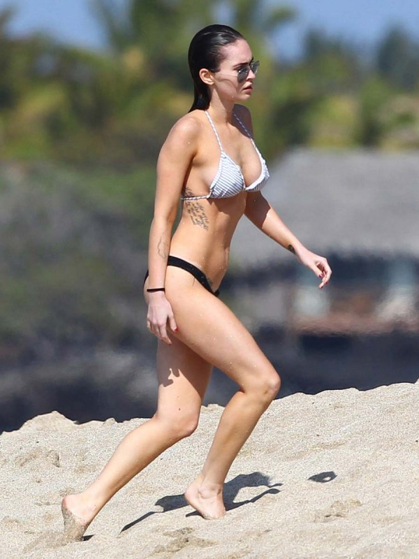 Megan Fox bikini hawaii