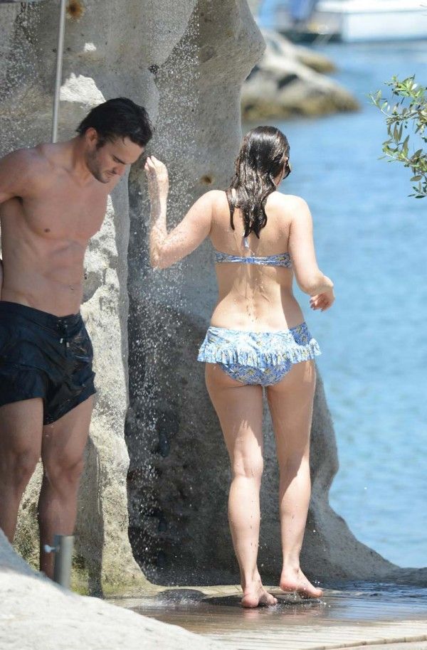 Kelly Brook bikini italy