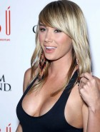 Sara Jean Underwood cleavy