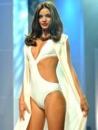 Miranda Kerr catwalk