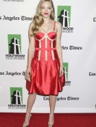 Amanda Seyfried hot red
