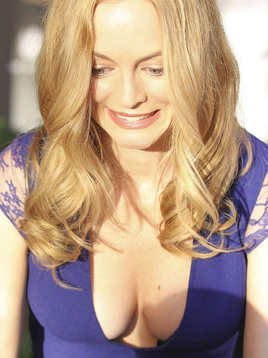 Heather Graham boobies | AddictedToCelebs: www.addictedtocelebrities.com/heather-graham-gives-us-a-view...