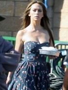 Jennifer Love Hewitt cleavy