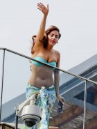 Lady Gaga bikini balcony