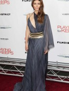 Jessica Biel cleavage