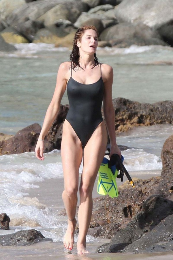 Stephanie Seymour Boobs Fall Out Of Swimsuit