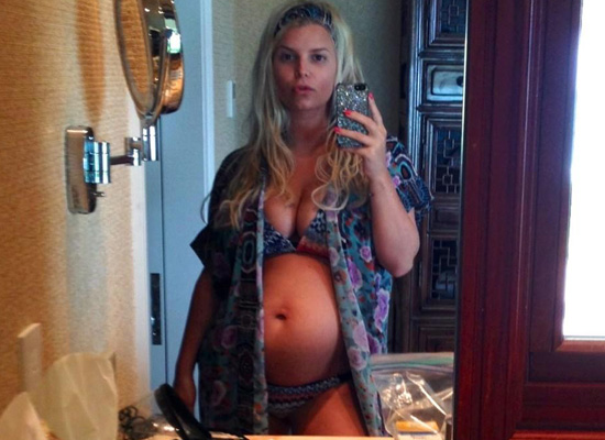 Jessica Simpson Pregnant Bikini Twitpic