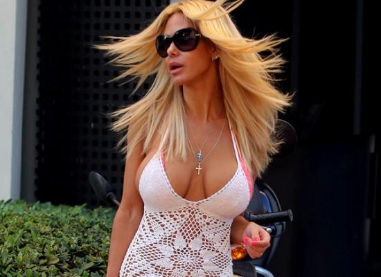 Shauna Sand cleavage
