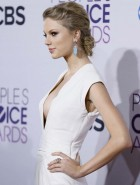 Taylor Swift sideboob
